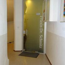 Eingang in die Praxis im II.Stock