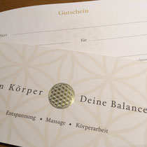 Printdesign für Gutscheine  -Dein Körper - Deine Balance- mit Heißfolienprägung Gold