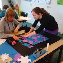 Foto's van leerlingen aan het werk