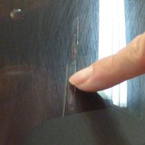 爪にかかる深い傷は、薄く残る場合もあります予めご了承ください。