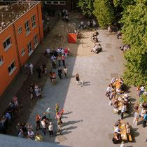 <h3><br><br><br><br><br><br>Elterncafé auf dem Schulhof<h3>