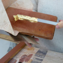 couteau pour prélever la feuille