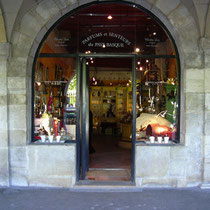 Boutique de la Place des Vosges du parfumeur Christian Louis