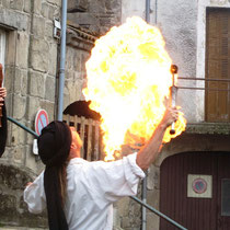 Le cracheur de feu (photo M. Depecker)