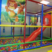 Parque infantil de 25 m2 y 3 m de alto