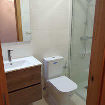 Reforma de cuarto de baño con plato de ducha a rás de suelo