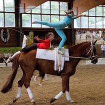 Ina Schultze und Nina Kamp auf Dainty Dancer.