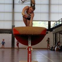 Basler - Valerie Einturnen Sprung