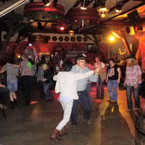 Tanz im Kultkessel Belinda