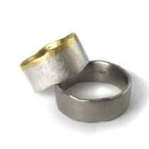 Ringe aus Palladium sowie Gelbgold mit Silber