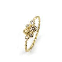 Feiner Antragsring in Gelbgold 750/000 mit naturfarbenen Diamanten