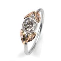 Romantischer Verlobungsring mit champagner-farbenem Brillant 0.51 ct.