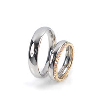 Polierte Hochzeitsringe in Platin 950/000 mit Beisteckring in Roségold 750/000