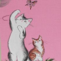 蝶にじゃれるネコたちonなめらかな布に墨彩画