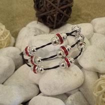 Morgentau 3-fach, mit silbernen Perlen und roten Rondellen