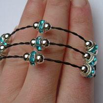 Morgentau 3-fach, mit silbernen Perlen und hellblauen Rondellen