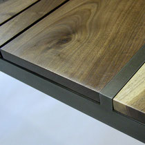 NOTCH COFFEE TABLE (DETAIL)