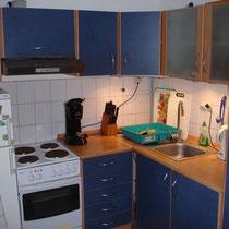 kleine moderne Einbauküche