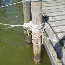 Stegbefestigung gut gelöst, Stromkabel bitte nicht mit einbinden.