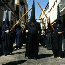 275.25 Nazarenos della Confradia de Los Servitas. © 1999 Alessandro Tintori