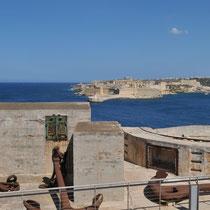 Fort St Ange, depuis le Fort St Elme (Malte)