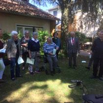 Kanonsingen mit einigen Chormitgliedern unter Ltg. von Friederich Haller