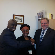 Philippe CANTRAINE, Odile WANUKE et Le Président-Fondateur d'HSF reçu à l'O.I.F à Paris