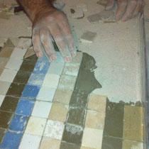colocacion de piezas de mosaico de nolla