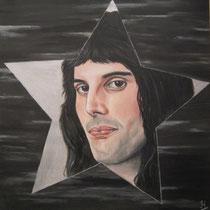Freddie Mercury. Bij leven een ster, een grootse persoonlijkheid met een fantastische stem. Opnieuw een ster geworden al ben je nu wel heel ver ....   50/50 cm.   € 225