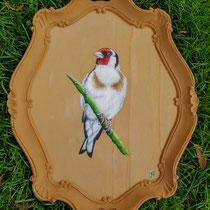 Putter; geschilderd op een oud houten dienblad. nageschilderd van een foto die ik afgelopen zomer maakte van dit prachtige vogeltje op een bijzondere plek, daardoor is dit vogeltje erg speciaal voor mij. geschilderd voor mijzelf
