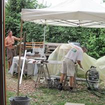 les ouvriers du jour sous la tonnelle...le soleil chauffe !