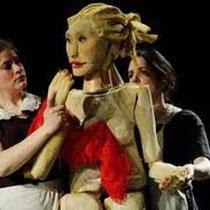 http://www.actualitte.com/theatre/theatre-les-bonnes-de-genet-26578.htm
