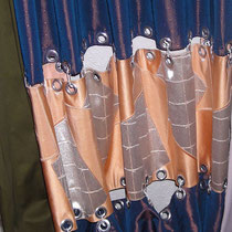 着物と帯をハトメカーテンにリメイク