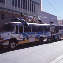 Chargement du bus pour 3 jours de piste