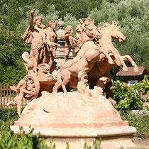 Char d'Apollon, une oeuvre en terre cuite