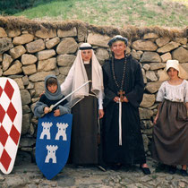 Pascale, Carole, Romain & moi-même en costumes - Août 1989