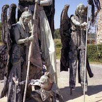 Des membres d'une troupe lors de la Médiévale de Lastours - Août 1998