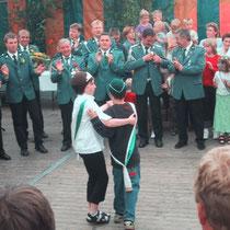 2001 - Kinderkönigspaar Linda Kasten und Marcel Rosseburg