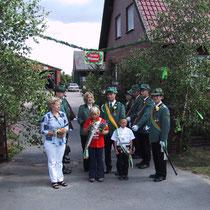 2003 - Kinderkönisgpaar Melanie Schse und Florian Puhst; Kronprinz Karsten Deegen mit Begleitung Nadja Miest (vorne links: Königsgattin Margret Deegen)