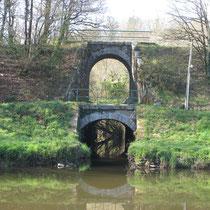 Les deux ponts, ou quand le chemin de fer passait sur le bief du Canal