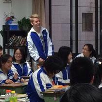 Helle Begeisterung seitens der Chinesen, vor allem weil drei Typen dabei waren :P