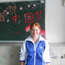 So, und hier das Foto von mir in Schuluniform... Lacht euch ruhig tot ;)