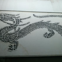 Es gab auch ein Museum, in dem über das Dreikönigsreich berichtet wurde. Der Drache aus Tusche gefiel mir :)