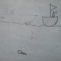 Das ist auch Luzis Werk. China hält uns mit Seeschlingen davon ab, nach Hause zu segeln… Sehr tiefenphsychologisch.