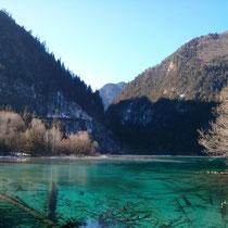 Dieser See (Name hab ich vergessen) hatte eine wunderschöne Farbe, die auf dem Foto gar nicht so gut rüberkommt.