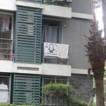 Und anscheinend wohnt da ein/eine Deutsche/r im Studentenwohnheim!