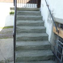 Alte Sandsteintreppe komplett rückgebaut und mit neuem Grundriss neu aufgebaut