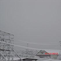 毎朝撮影している蔵王連峰方向。真っ白で何も見えません。
