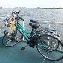 赤岩渡船に積んだ自転車