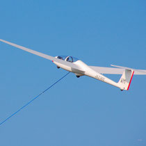 ancending glider pulled by winch